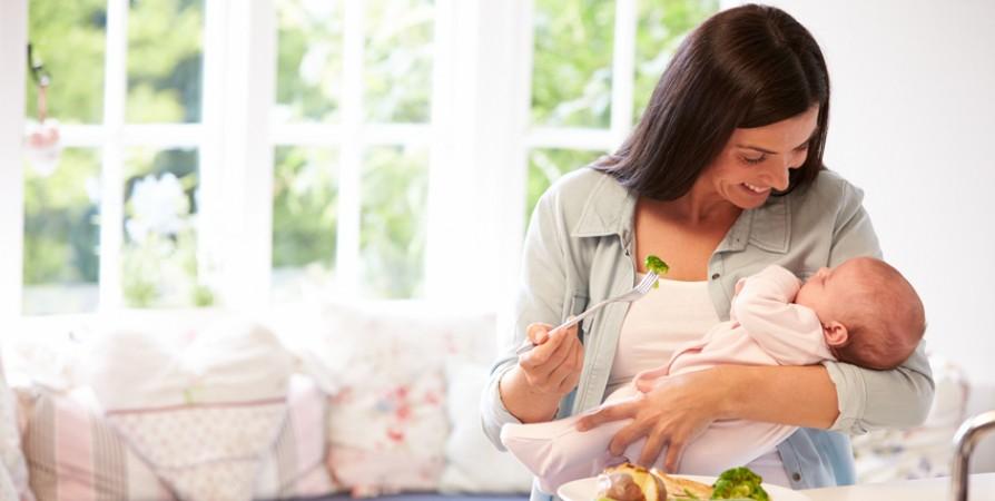 Cho con bú tưởng là việc đơn giản nhất trên đời nhưng vẫn có mẹ mắc phải những sai lầm kinh điển dưới đây - Ảnh 4.