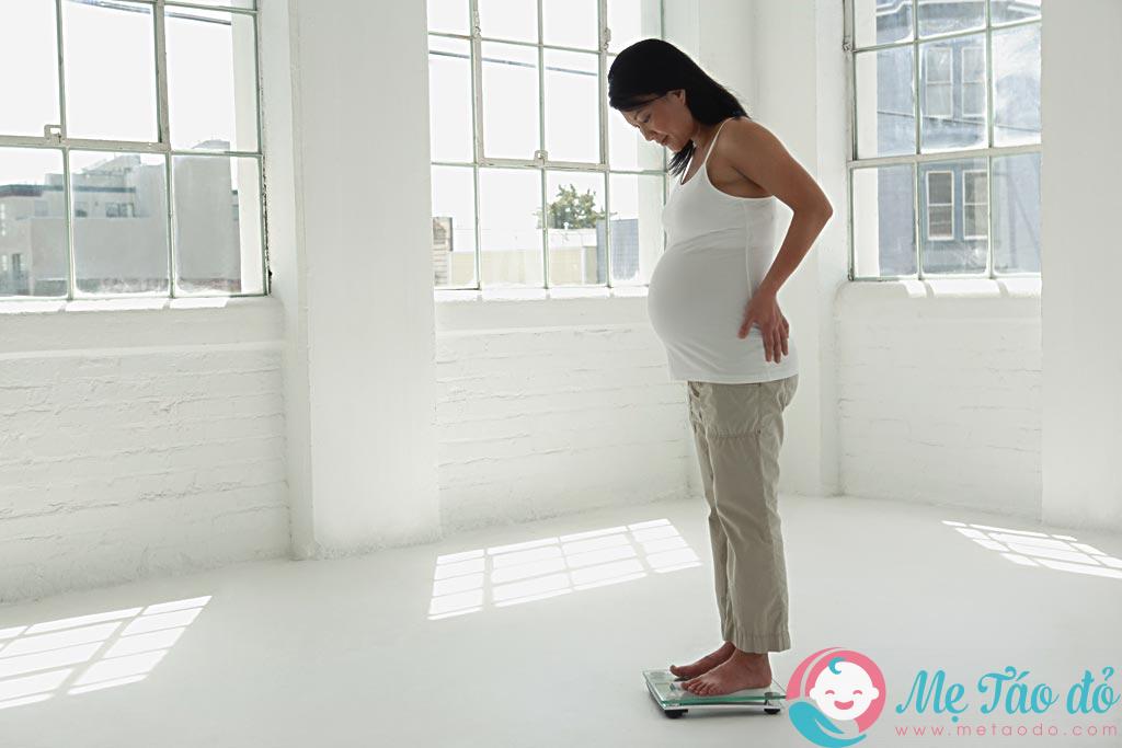 Giúp mẹ bầu theo dõi và kiểm soát được cân nặng cho quá trình mang thai của mình