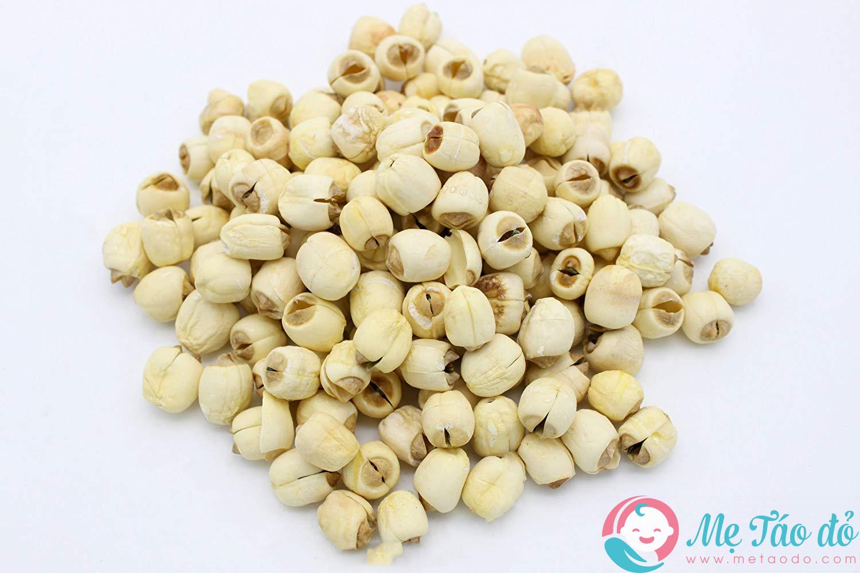 Hạt sen có tác dụng khắc phục ngực xệ sau sinh không?