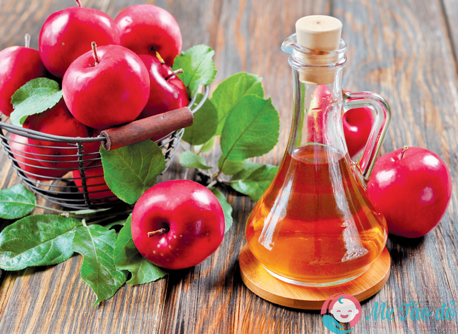 Cách trị nám da sau sinh là dùng giấm táo
